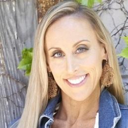 Nicole Tesar headshot